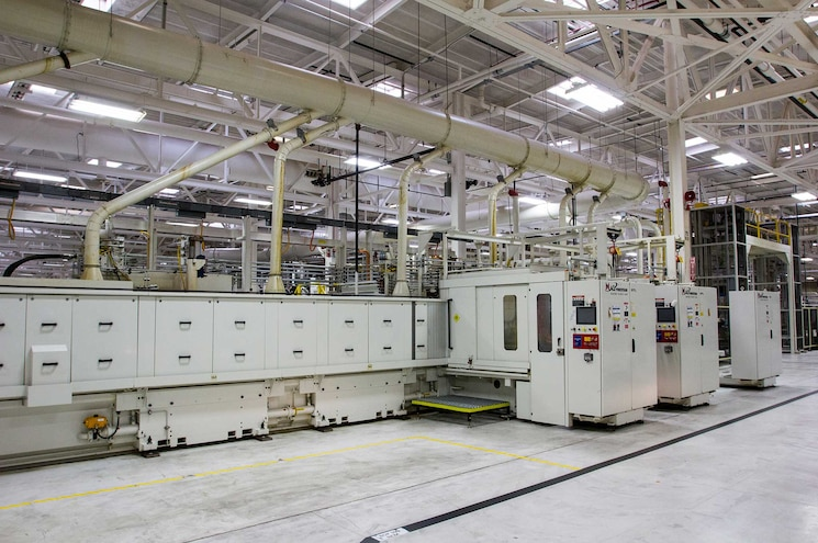 Cummins V8 Engine Assembly Plant Tour Automated Machining Process