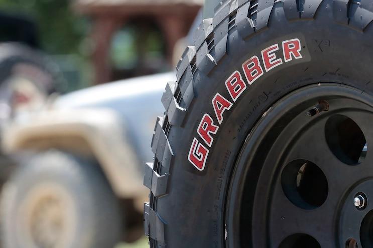 General Grabber X3 Side