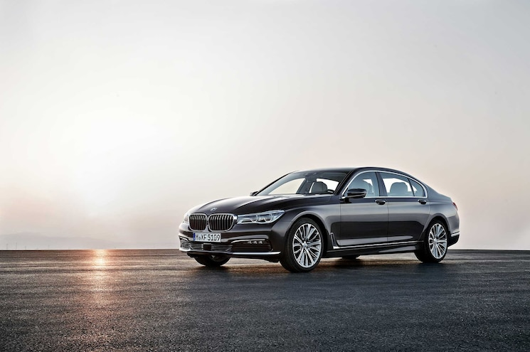2016 BMW BMW 7 Series Front Side View Sunset