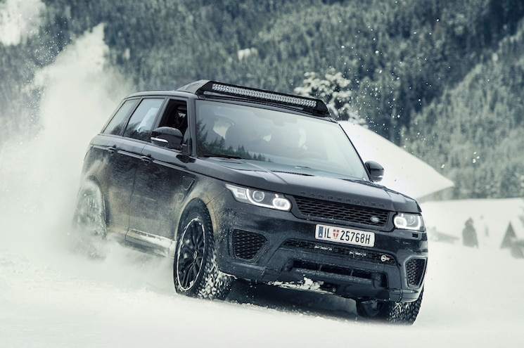 Land Rover Chase Scene From James Bond Spectre 01