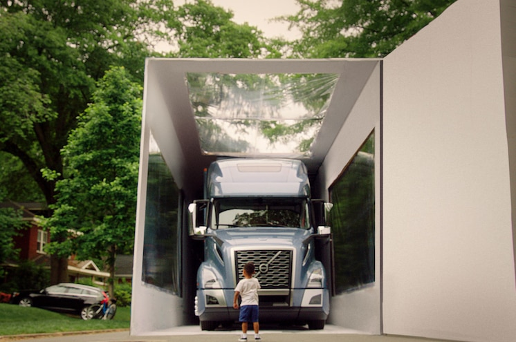 VIDEO - Volvo Unveils New VNL with World - Record Unboxing