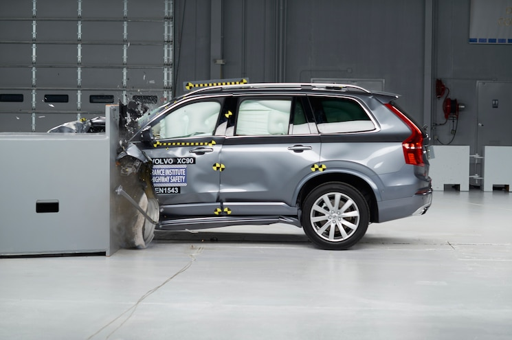 2016 Volvo XC90 Gets Top Safety Pick+ Rating