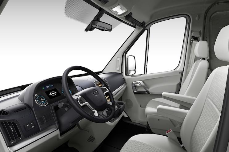 Auto News 8 Lug Work Truck Chanje Electric Van V8070 Int