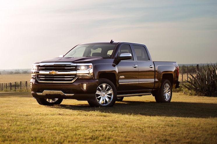 2016 Chevrolet Silverado High Country Front Three Quarter
