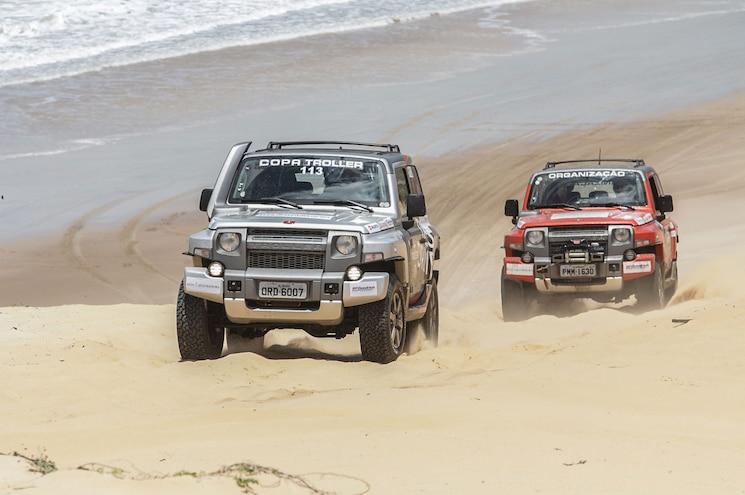 Ford Guy Posts Sand-Happy Troller Photos on Twitter