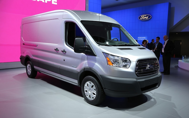 2014 Ford Transit Front Right View2