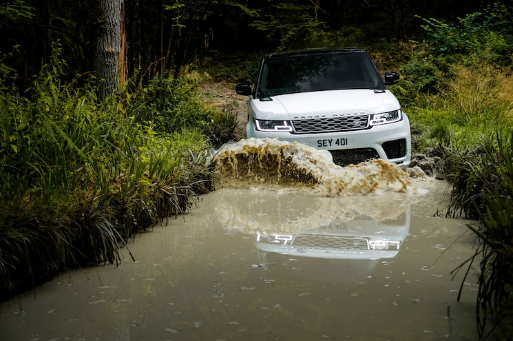 2018 Range Rover Sport P400e Exterior Front View In Water