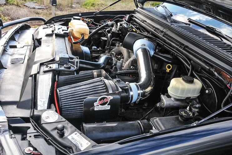 2004 Ford F250 Jacked Up Engine Cold Air Intake