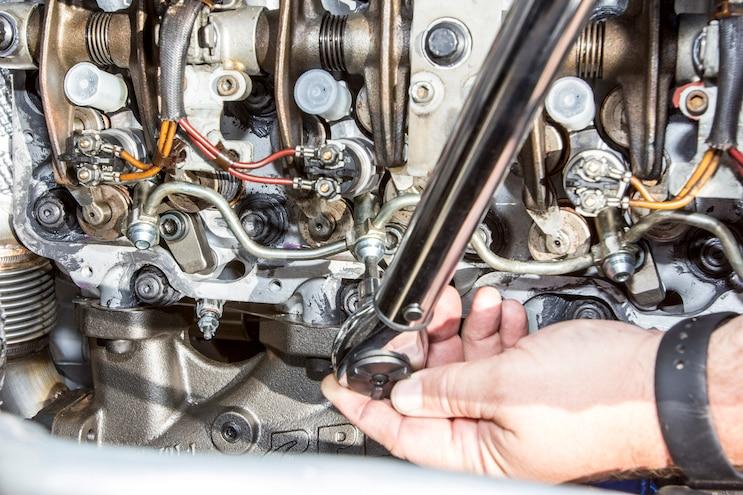 016 Lb7 Duramax Fuel Injector Install