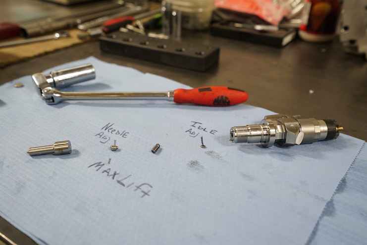 024 Lb7 Duramax Fuel Injector Install