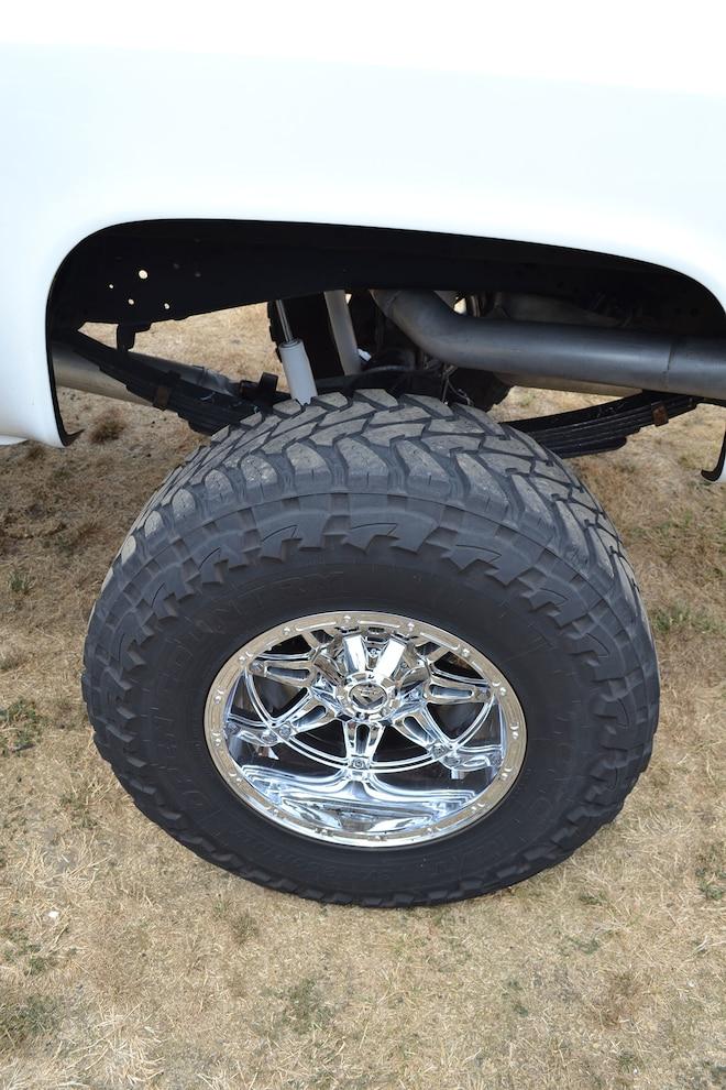 011 Chevy K30 Rear Suspension