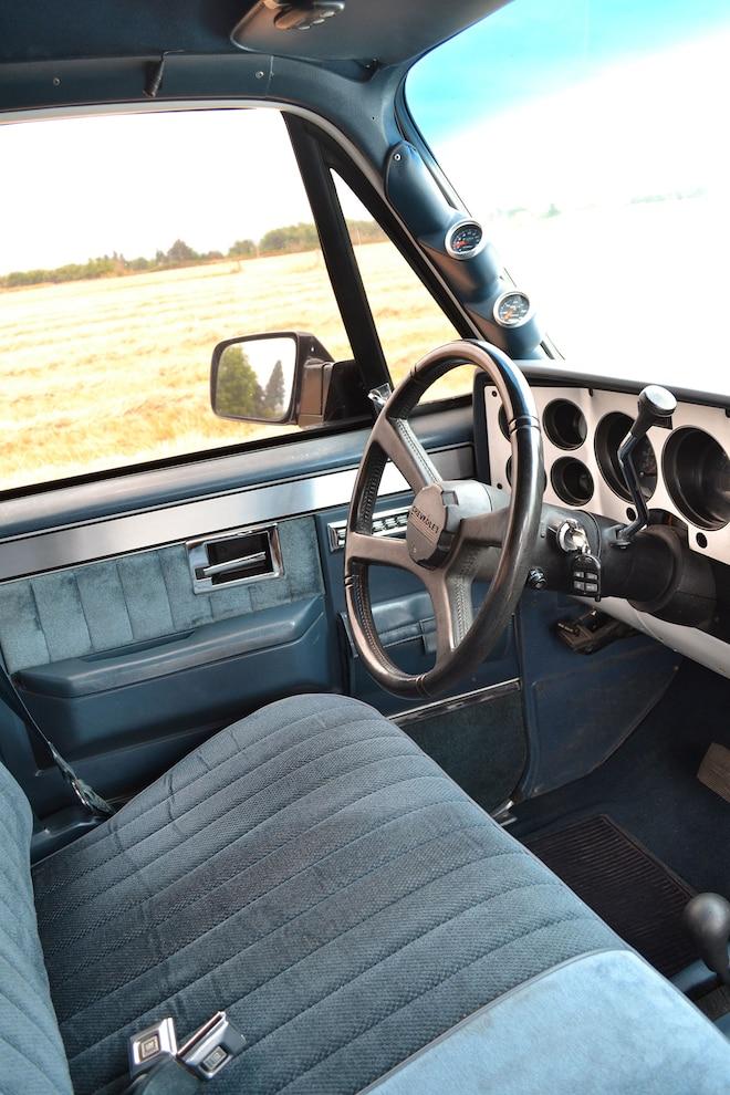 014 1989 Chevy K30 Interior