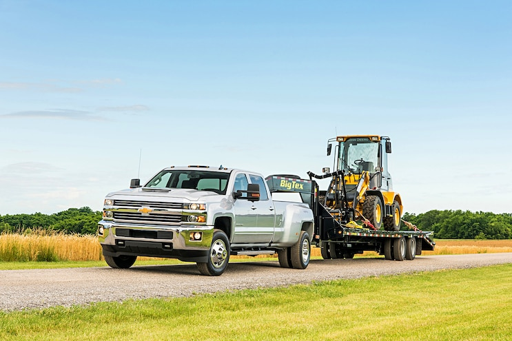 013 Buyers Guide 2017 Chevrolet Silverado 3500hd Front Driver Side Static Towing