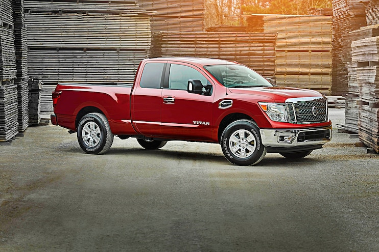 Buyers Guide 2017 Nissan Titan King Cab Passenger Side Static