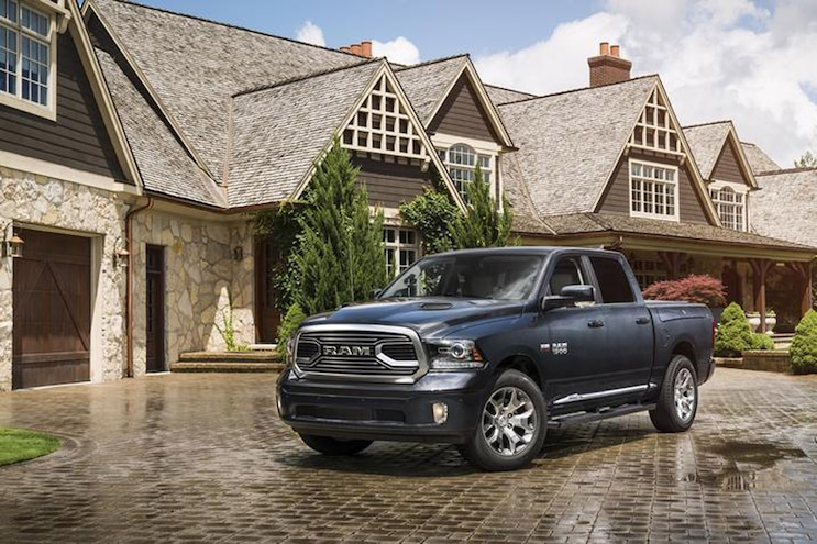 Buyers Guide 2018 Ram 1500 Limited Tungsten Front Driver Static