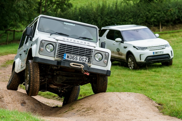 2015 Land Rover Defender 110 VS. 2017 Land Rover Discovery