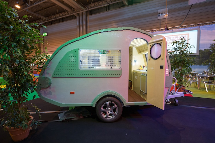 Life-Size LEGO Camp Trailer Breaks World Record - VIDEO