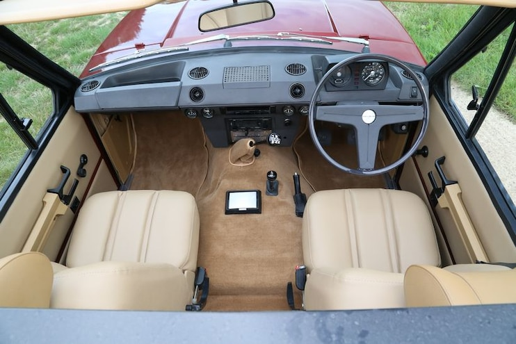 1973 Range Rover Convertible By Special Vehicle Conversions Interior Cockpit High