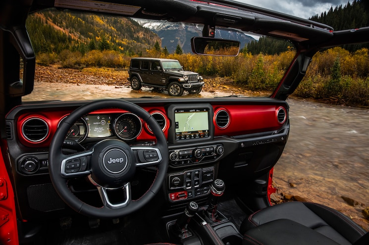 Jeep Gives Us a Look at the Interior of the 2018 Wrangler JL