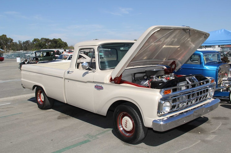 Cruise For The Cure Event 1961 1966 Ford F 100