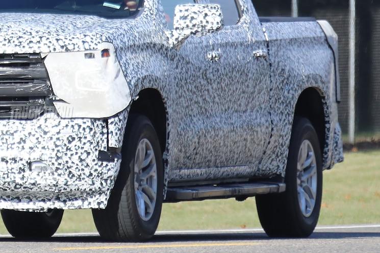 2019 Chevrolet Silverado 1500 Spied Exterior Side Sculpting 01