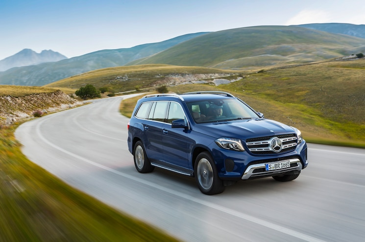 2017 Mercedes Benz GLS350d 4Matic Front Three Quarter In Motion