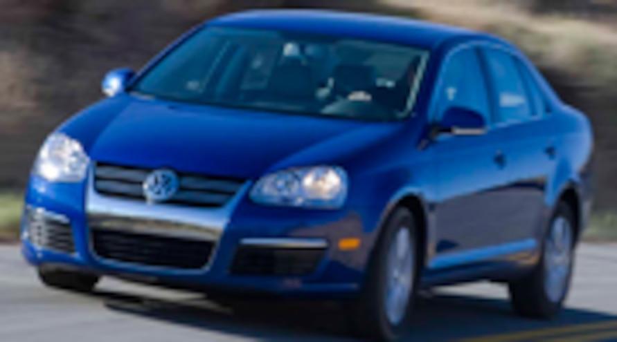 112 0902 01pl 2009 Volkswagen Jetta TDI Front Three Quarters View