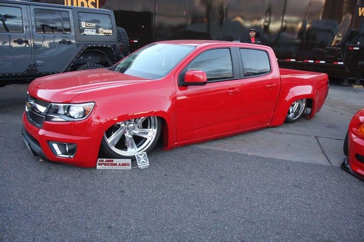 001 2015 Sema Show Chevrolet Colorado Slammed Front