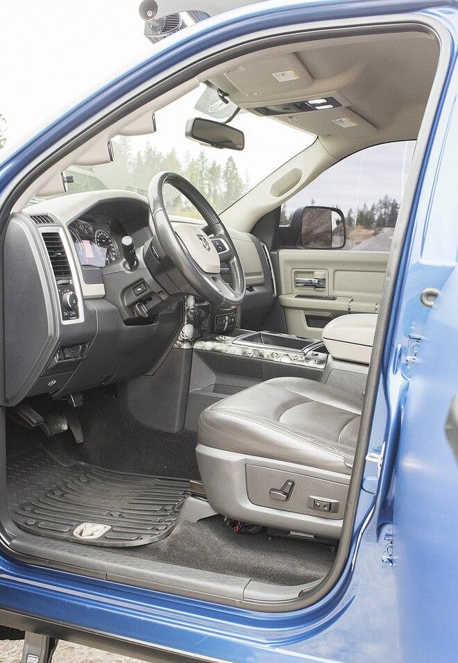 012 2010 Ram 2500 Interior