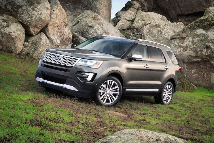 2016 Ford Explorer Platinum First Drive 001