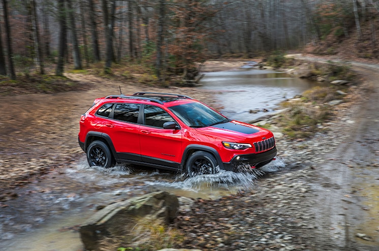 2019 Cherokee Trailhawk Rear Stream Cross 2