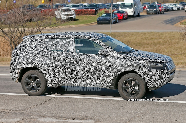 2017 Jeep Compass Patriot Replacement Side View 02