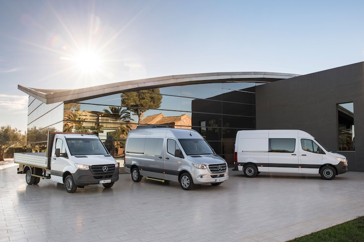 2019 Mercedes Benz Sprinter Exterior Front Profile 01