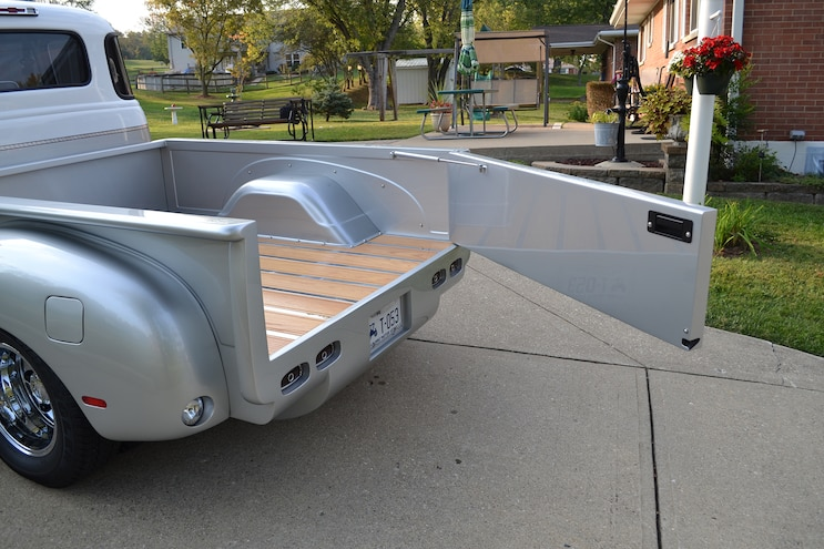 011 1947 Chevy 3800 1 Ton Dually Tailgate