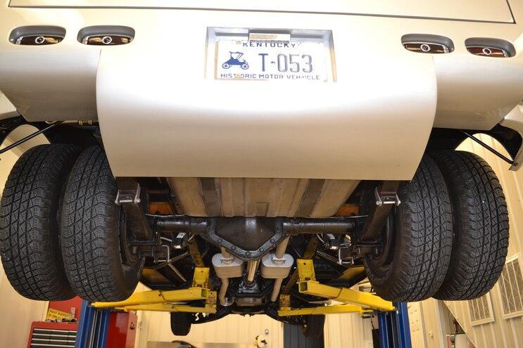004 1947 Chevy 3800 1 Ton Dually Rear Axle