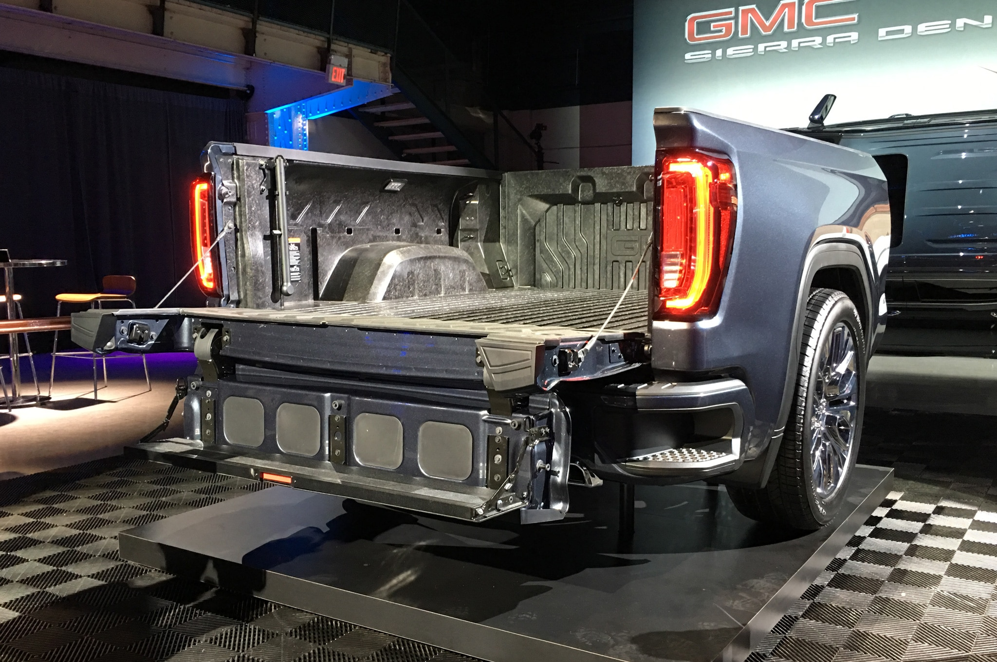 One of the Coolest Features of the 2019 GMC Sierra is its ...
