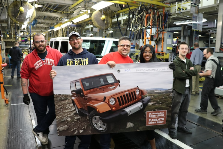 2018 Jeep Wrangler Jk Unlimited Final Production Line 02