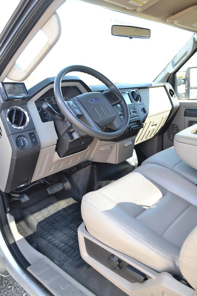 012 2008 Ford F350 Interior