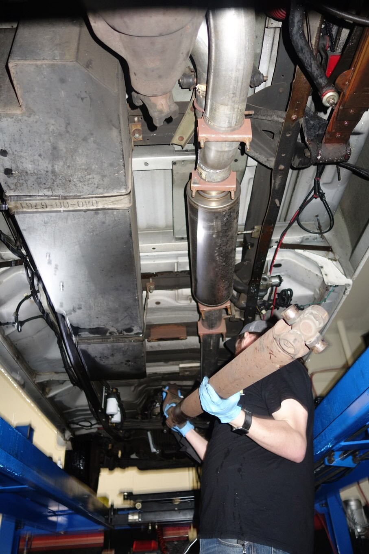95 f350 transmission crossmember