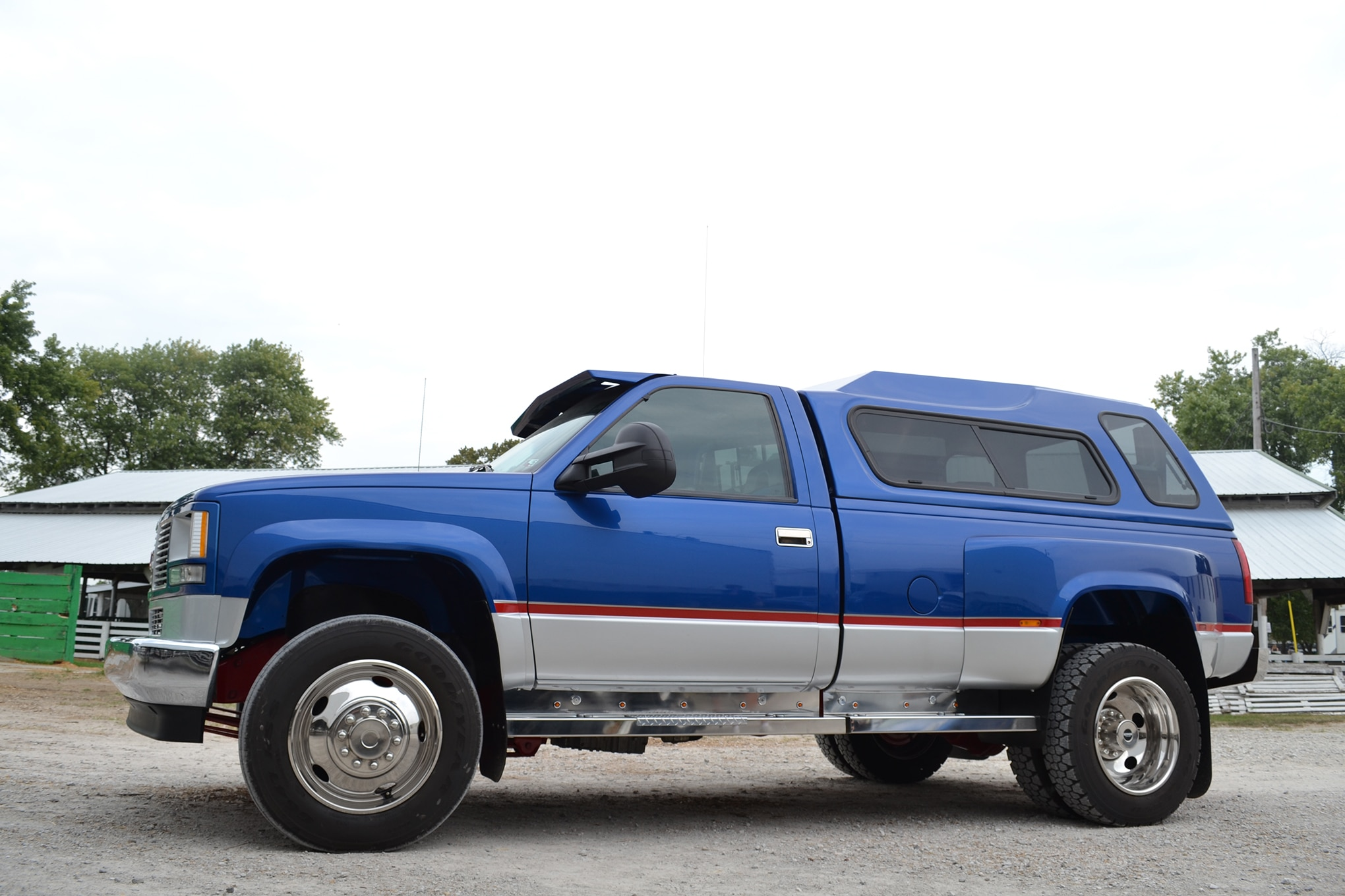 This 1993 GMC 3500HD is a trailer towing King with a 7 2L