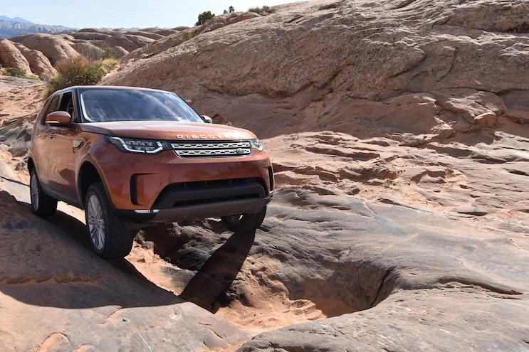 Off Roading A 2018 Land Rover Discovery Gap