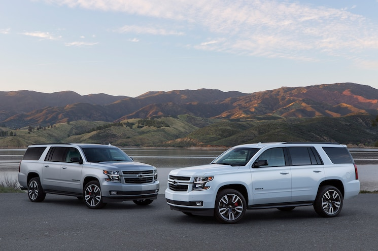2019 Chevrolet Suburban And Tahoe Rst Front Quarter