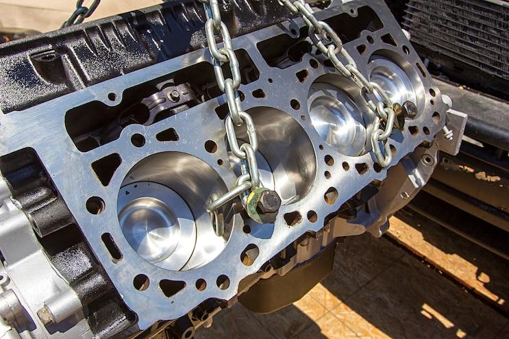 003 Lb7 Duramax Engine Mahle Pistons