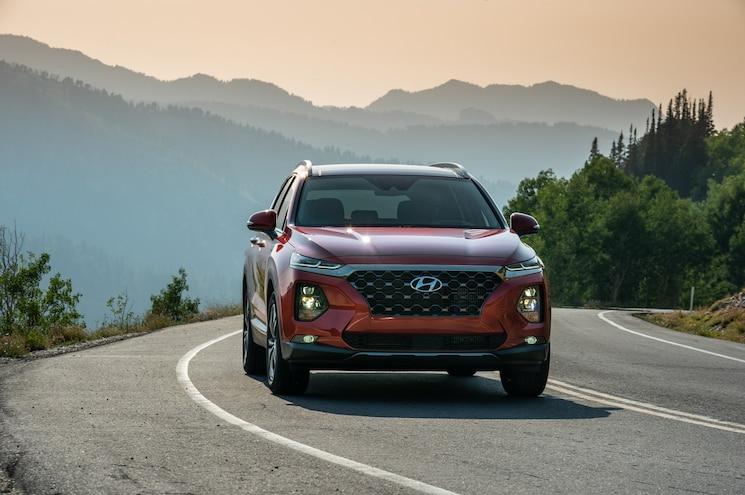 2019 Hyundai Santa Fe Exterior Front Quarter 29