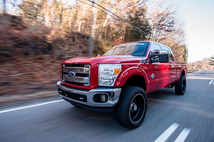 019 2011 Ford F 350 Driving