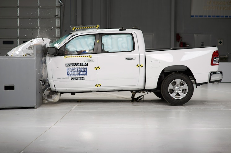 2019 Ram 1500 Aces IIHS Crash Tests, Headlights Fall Short