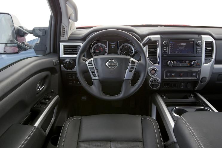 76 2016 Nissan Titan XD Drivers Seat