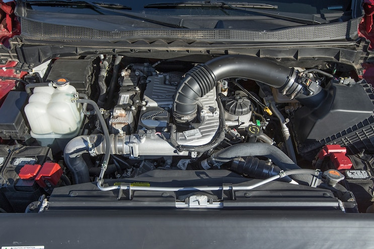 82 2016 Nissan Titan XD Engine