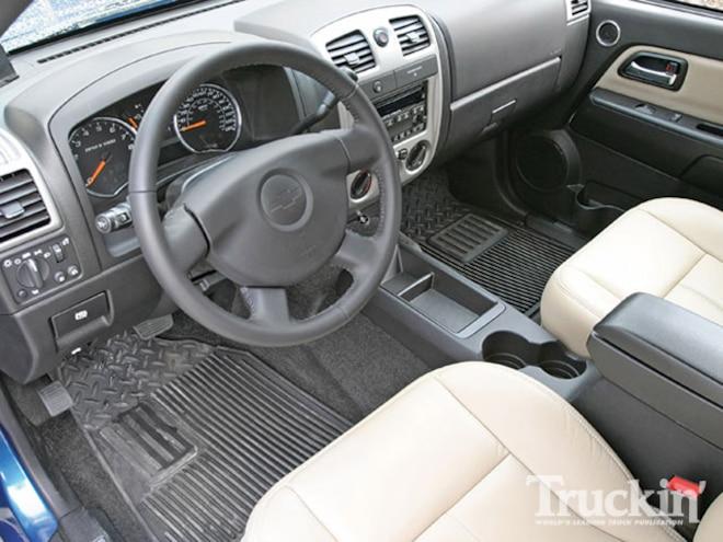 2009 Chevy Colorado interior