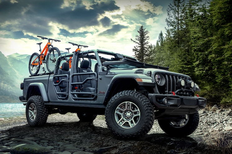 Mopar Accessorizes the 2020 Gladiator with Jeep Performance Parts